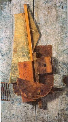 tumbleword:  (via tc Contrarrelieve azul 1914 Vladimir Tatlin 0023 «Arte de Ximena)