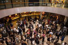 Una multitud se congrego para la presentación de #chicasparanoicas en #abcserrano