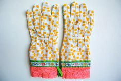 cute gardening gloves {sweet gift idea for mother's day}