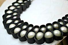 Cinta negra del bucle collar de perlas.  Las por AlyxAndreaDesign, $29.00