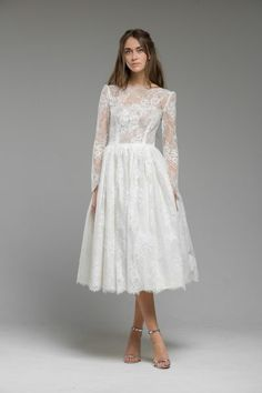 vintage-inspired-lace-wedding-dress-dresses-gown-london-UK-boho-bohemian-modern-LOOK 17 - GARDENIA FRONT-min