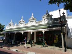 In einer der schönen Einkaufsstraßen in Stellenbosch Safari, Garden Route, Mansions, House Styles, Cape Town, Travel Advice, Manor Houses, Villas, Mansion