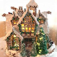 """80 likerklikk, 3 kommentarer – Anne (@lionanne) på Instagram: """"God Jul ❤️ Merry Christmas . #christmas #houseandgarden #gingerbreadhouse #gingerbread…"""""""