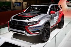 With a new face, the 2016 Outlander PHEV has been transformed into a quite a good looking car Mitsubishi Pickup, Mitsubishi Pajero Sport, Mitsubishi Motors, Outlander Phev, Montero Sport, Tokyo Motor Show, Good Looking Cars, Vw Amarok, Mitsubishi Outlander