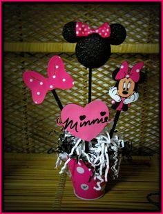 Minnie Mouse Birthday Decoration via Etsy