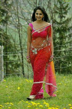 Anushka Photo Gallery, Anushka Stills, Anushka Gallery, Anushka Photos Beautiful Saree, Beautiful Indian Actress, Anushka Photos, Anushka Images, Indian Navel, Saree Models, Beautiful Girl Photo, Glamour, India Beauty