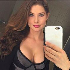 nude pics girl Carny selfie