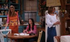 Every Outfit Rachel Ever Wore On 'Friends', Ranked From Best To Worst: Season 7
