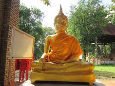 "Wat & Segnung gesegnete FairTrade Thai Buddhist Freundschafts Armbänder - ThaiZauber Goldener Buddha in der Tempelanlage ""Wat Phra That Bang Phuan"""