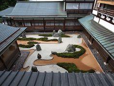 #高野山 #福智院 #日本庭園 # 重森三玲 (Via:福智院)ほぉ...これは見事。高野山にこんなとこあるんやなぁ...お庭にK砂、どうですか?^^;