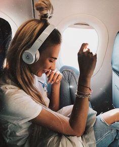 TRAVELLING IN COMFORT | For more TRAVEL inspiration visit my Flight Attendant blog! | www.dontsweatthestewardess.com