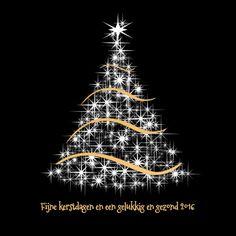 Moderne kerstkaart witte kerstboom met goudkleurige slingers op zwarte ondergrond. Tekst 'Fijne kerstdagen en een gelukkig en gezond 2016' is variabel. Design: Teuni Te vinden op: www.kaartje2go.nl
