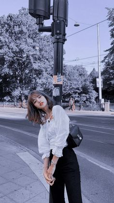 ⸍⸍ – My Wallpapers Page Kpop Tumblr, Mode Rose, Mode Kpop, Blackpink Members, Lisa Blackpink Wallpaper, La Girl, Blackpink Video, Kim Jisoo, Black Pink Kpop