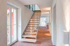 Rekonstruktion Kapitänshaus Born/Ostsee: Klassisch Flur, Diele & Treppenhaus von Dr. Michael Flagmeyer Architekten