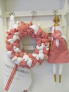 love the little wire heart hooks Christmas Wreaths, Christmas Crafts, Christmas Decorations, Christmas Ornaments, Waldorf Dolls, Christmas Inspiration, Softies, Handmade Toys, Diy And Crafts