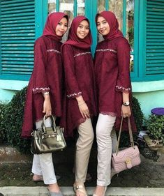 New Dress Modest Casual Lace Ideas Kebaya Modern Hijab, Kebaya Hijab, Batik Kebaya, Kebaya Dress, Kebaya Muslim, Batik Dress, Kebaya Brokat, Lace Dress, Batik Fashion