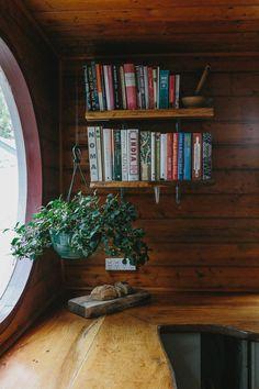 A Cozy Century-Old Coastal Cottage in Australia