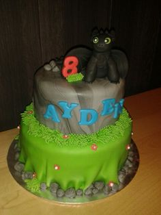 How to train a dragon cake