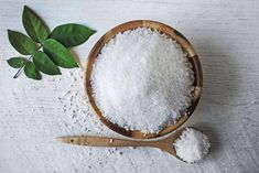 Table Salt - What's the Difference? If a recipe calls for sea salt, can you substitute table salt? A registered dietitian nutritionist weighs in and discusses the difference. Health Remedies, Home Remedies, Champurrado, Salt And Honey, Small Glass Jars, Natural Cold Remedies, Table Salt, Cold Sore, Seasonal Food