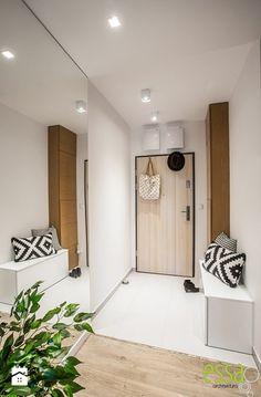 Hol / Przedpokój styl Nowoczesny - zdjęcie od ESSA Architektura Cupboard, Tall Cabinet Storage, Entryway, Sweet Home, Furniture, Home Decor, Design, Fireplaces, Clothes Stand