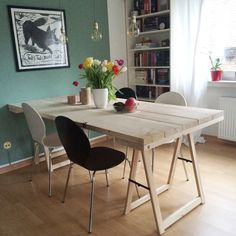 DIY project: A table made of building planks - Jugendweihe - Living Room Table Retro Furniture, Diy Furniture, Furniture Design, Retro Floor Lamps, Small Space Interior Design, Diy Dining Table, Construction, Planks, Home Living Room