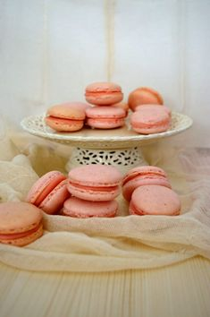 Dessert Recipes, Desserts, Macarons, Chocolate Cake, Biscuits, Food And Drink, Cupcakes, Sweets, Cooking