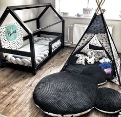 Lit Cabane TERY noir - BellyStar The TERY black cabin bed, a small wooden house greatly appreciated by children. Its original shape, its clean lines and the black color will bring a touch of mo Boy Toddler Bedroom, Baby Boy Room Decor, Baby Room Design, Toddler Rooms, Baby Bedroom, Baby Boy Rooms, Girl Room, Kids Bedroom, Small Wooden House
