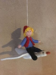 Nils Holgersson mit Gans von Hand gefilzt Filz Figur Mobile Bio Merino Wolle von HomefeltArt auf Etsy