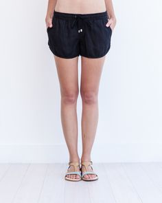 Perfect for the beach -- Diego Linen Shorts in black and sand