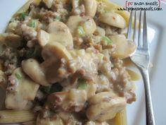 sausage gravy pasta from po' man Creamy Sausage Pasta, Sausage Pasta Recipes, Pork Recipes, Casserole Recipes, Cooking Recipes, Yummy Recipes, Yummy Food, Sausage Gravy