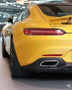 Mercedes AMG GTS 🍌  #mercedes #amg #gts #amggts #mercedesamg #mercedesbenz #benz #supercar #germanengineering #luxury #cars #carsofinstagram #carswithoutlimits #luxurycars #sportscar #yellow #banana #paintjob #color #solarbeam #blackrims #canon80d #sigma1750