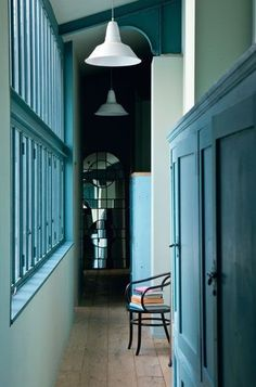 This loft, located Place des Monges in Paris, has many industrial features that were kept from the original building structure. Blue Hallway, Interior And Exterior, Interior Design, Interior Ideas, Interior Inspiration, Colour Architecture, Hallway Decorating, Decorating Ideas, Entry Hall