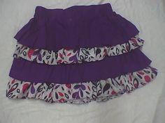 faldas de varias piezas fruncidas y en contraste de tejidos