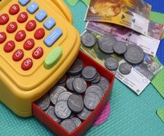 15 super cute and fun ideas to help teach your kids about money and financial literacy. Learning about money, value and needs vs wants can be a blast with these fun activities. Needs Vs Wants, Make Money Online, How To Make Money, Fish Oil Capsules, Formation Marketing, Quickbooks Payroll, Income Support, Finance, Budgeting Tools