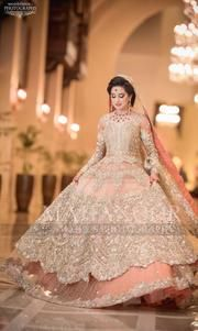 new Pakistani bridal dress in light colours # bridal lahenga weddings lahenga It's also available toh marron colour Bridal Mehndi Dresses, Walima Dress, Shadi Dresses, Pakistani Wedding Outfits, Indian Bridal Outfits, Indian Bridal Lehenga, Bridal Dress Design, Pakistani Bridal Dresses, Pakistani Wedding Dresses