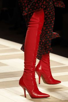 Fendi /Scarpe Autunno Inverno 2017 2018 dalla Milano Fashion Week - Cuissard rossi Fendi
