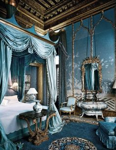 reminds me of a royal bedroom