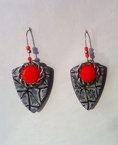 Loop polymer clay earrings, Red/black millefiori earrings, Silver metal earrings, Gift for a elegant women, Anniversary jewelry Anniversary Jewelry, Precious Metal Clay, Christmas Jewelry, Handmade Polymer Clay, Polymer Clay Earrings, Silver Metal, Red Black, Dangle Earrings, Dangles