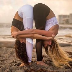 Exercises are like prose, whereas yoga is the poetry of movements. Once you understand the grammar of yoga; Poses Gimnásticas, Couples Yoga Poses, Acro Yoga Poses, Partner Yoga Poses, Two Person Yoga Poses, Yoga Poses For Two, Yoga Girls, Figure Yoga, Yoga Inspiration