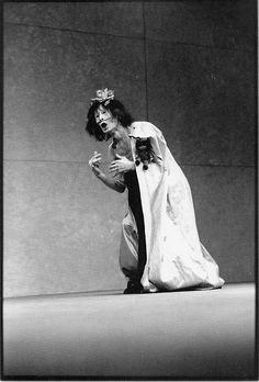 "One of my favorite dancers, Kazuo Ohno, Dead Sea, Photograph by Nourit Masson-Sekine. ""The dead start running. Le Terrier, La Danse Macabre, Theater, Creepy Photos, Contemporary Dance, Modern Dance, Evil Clowns, Dance Movement, Dark Fantasy Art"