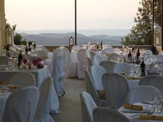 Outdoor wedding in #Tuscany, enjoying a lovely dinner on a #panoramic Terrace: #BorgoBucciano is your #weddingvenue in #Italy