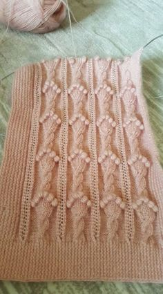 This Pin was discovered by HUZ Ladies Cardigan Knitting Patterns, Lace Knitting Patterns, Knitting Stiches, Cable Knitting, Knitting Videos, Hand Knitting, Stitch Patterns, Crochet Designs, Knitting Designs