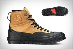 Converse have presented a version of their popular Chuck Taylor All Star´s, built to tackle the cold. With a contemporary aesthetic, the Chuck Taylor All Star Tekoa Boot is built with all the ruggedness of a winter boot, combining warmth, dryness and Trendy Mens Fashion, Gents Fashion, Mens Boots Fashion, Work Sneakers, Mens Designer Shoes, Sneaker Boots, Winter Shoes, Chuck Taylors, All Star