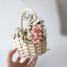Exceptional diy hacks tips are offered on our web pages. Take a look and you wont be sorry you did. Rustic Baskets, Home Decor Baskets, Picnic Baskets, Mason Jar Crafts, Mason Jar Diy, Faux Flowers, Diy Flowers, Craft Stick Crafts, Diy Crafts