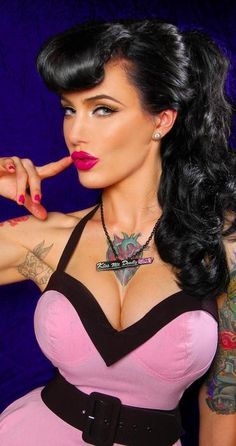 Love the pin up style with tattoos!