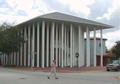 THE BANK designed by ROBERT VENTURI and DENISE SCOTT BROWN/Celebration, FL