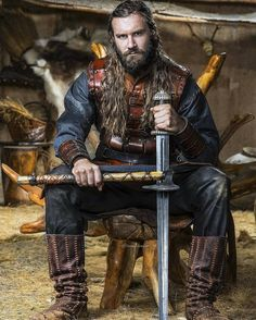 Clive Standen as Rollo in Vikings. Vikings Tv Series, Vikings Tv Show, Rollo Lothbrok, Viking Series, Viking Life, Viking Warrior Men, Viking Woman, Cinema Tv, Norse Vikings