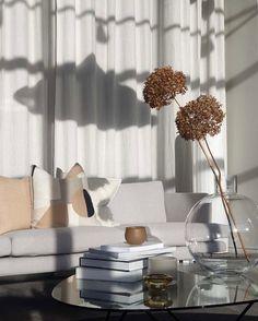 "WOHNSTUDIO on Instagram: ""Beautiful curation via Houzoslo"" Modern Design, Interiors, Beautiful, Instagram, Home Decor, Homemade Home Decor, Interior, Decorating, Decoration Home"