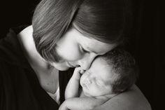 newborn/ posing baby with family members