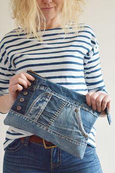 Recycled denim bag Levis bag Jeans bag upcycled bag Totebag bag Handbag C Artisanats Denim, Denim Purse, Denim Bags From Jeans, Clutch Purse, Jean Crafts, Denim Crafts, Jeans Recycling, Jean Diy, Diy Jeans